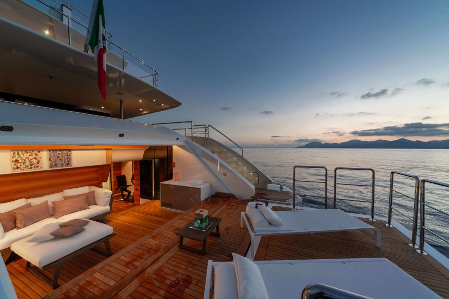 Luxury Yacht Market: Five Key Trends Influencing the Global Yachting Industry