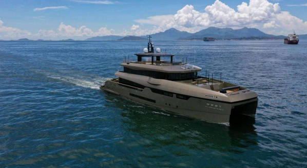 Heysea delivers 43m catamaran