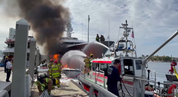 Feadship W damaged by fire